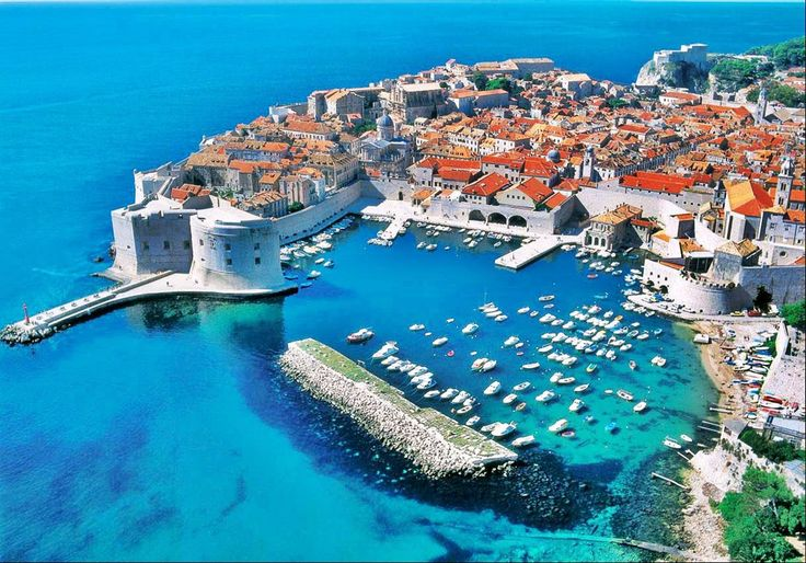 ...via ye olde Yugoslavia, stopping off at Dubrovnik for some well deserved R and R. What a beautiful town.