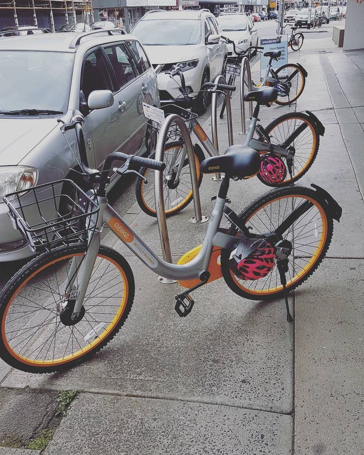 High Street's been bombed by @obikeau  Not sure how I feel about it... #obike #bikesharing #northcote #bike