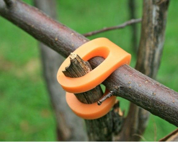 how to make a stick fort www.studiogblog.com