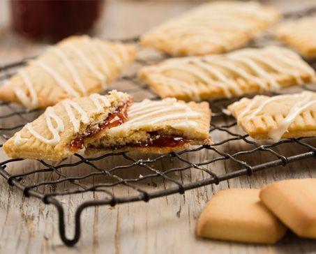 RASPBERRY JAM TARTS WITH CREAM CHEESE GLAZE – Bakers