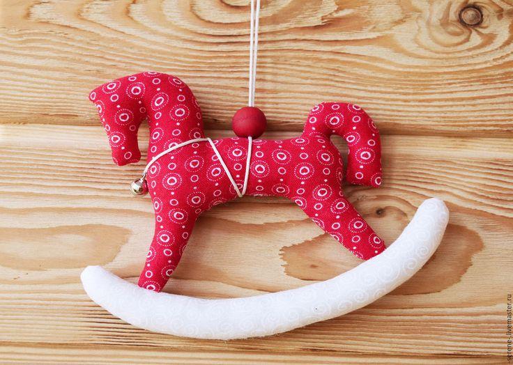 Купить Лошадка-качалка с бубенчиком - ярко-красный, лошадка-качалка, рождественское украшение, новогоднее украшение
