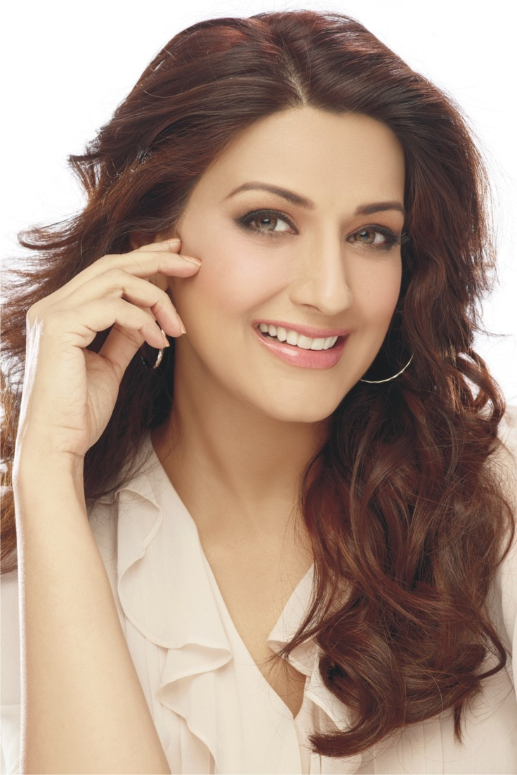 Actress Sonali Bendre sports a new look