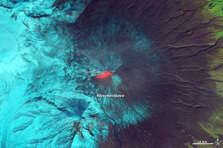 https://flic.kr/p/fZpxBo | Lava and Snow on Klyuchevskaya Volcano [detail]