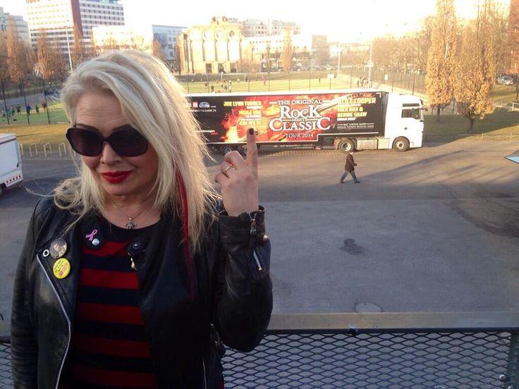 March 9, 2014: Berlin, first night tonight #RockMeetsClassic