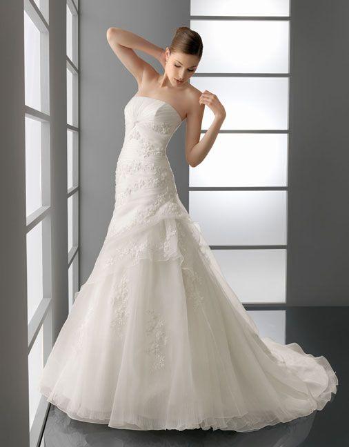 25 best Wedding dress images on Pinterest   Wedding frocks ...