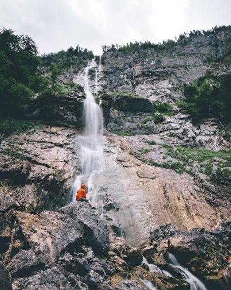 Eine Reise zu den Niagara-Fällen ist dir zu teuer? Zum Röthbachfall im Berchtesgadener Land kommst du viel preiswerter.