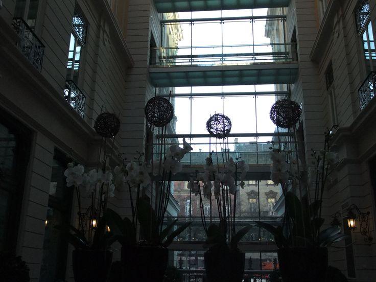 Az Interjúk forgatási helyszíne az 5 csillagos Corinthia Hotel Budapest. Fotó: Vásárhelyi Dávid - Hír7