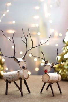 A reindeer decoration made from birch branches and twigs is easy to create with a few simple tools.