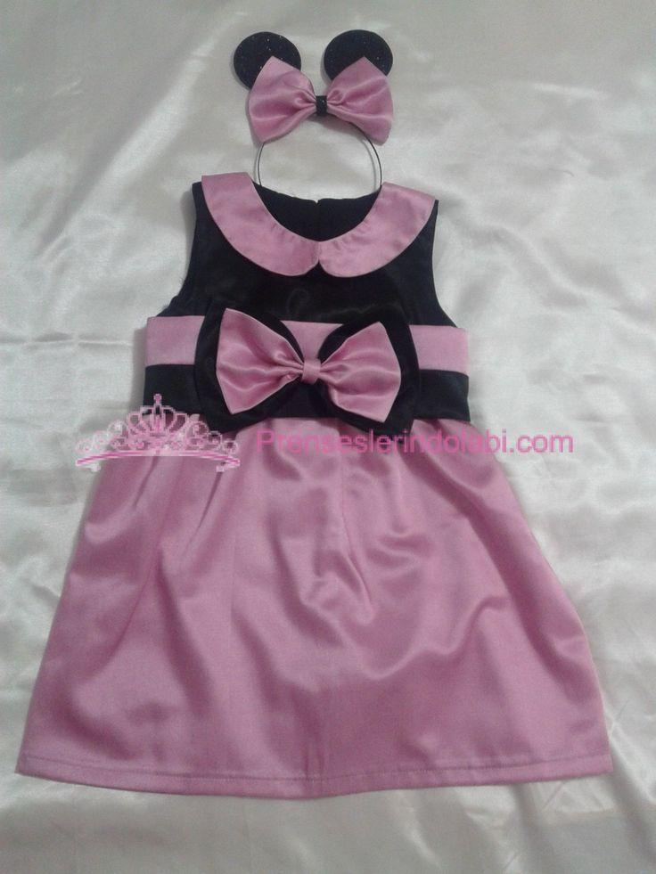 Minnie Mouse Elbise 1-Özel tasarımdır 2-Özel  kumaşlarla tasarlanmıştır. 3- Farklı aksesuarlarla süslenmiştir 4-Bayramlarda, okul müsamerelerinde, mezuniyetlerde, nikah, düğün gibi davetlerde, doğum günü partilerinde ve diğer özel günlerde, çocuklarınıza rahatlıklıkla giydirebileceginiz   ürünlerimizden birisidir 5-İstenilen renk ve modelde tasarlanabilir Sipariş için lütfen bizimle iletişime geçin!