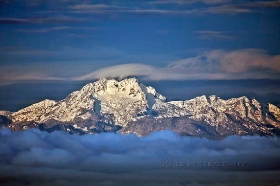This stunning view of the Olympic Mountains - specifically the peaks known as The Brothers - was captured by Steve Raley of PhotoGrunt