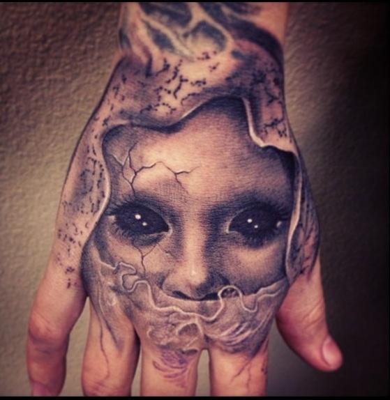 hand tattoo creepy tatts pinterest beautiful hand. Black Bedroom Furniture Sets. Home Design Ideas