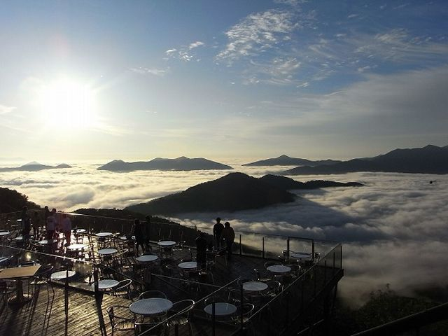 天国に一番近いカフェ「北海道の雲海テラス」の絶景世界が、天上界すぎて昇天しそう