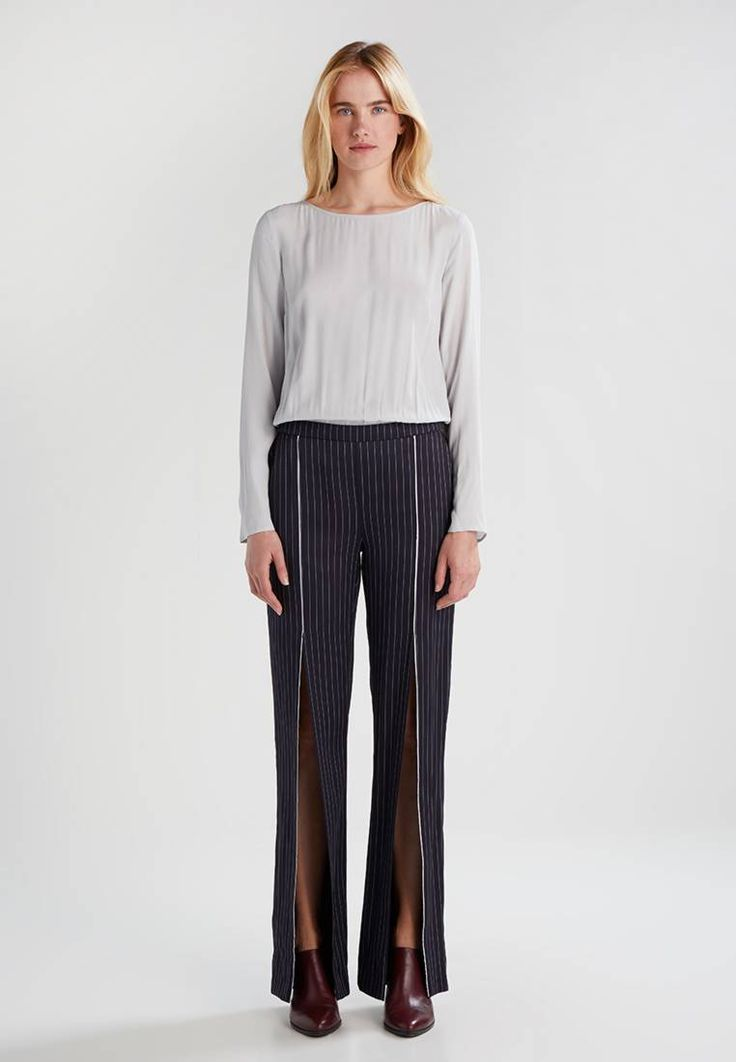 """Patrizia Pepe. SLIT - Jumpsuit - dunkelblau. Outer fabric material:58% acetate, 42% viscose. Pattern:Pinstriped. Care instructions:Dry clean only. Neckline:Boat neck. Sleeve length:long,25.0 """" (Size 10). outer leg length:43.5 """" (Size 10). Our..."""