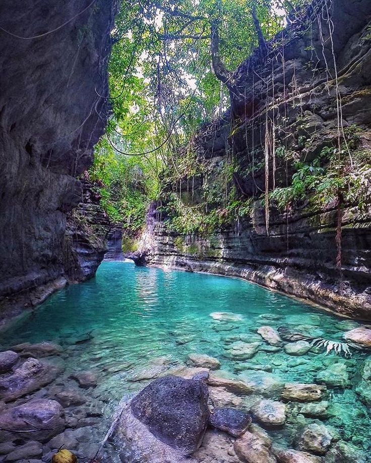 Turqoise Waters in Badian. Cebu, Philippines.