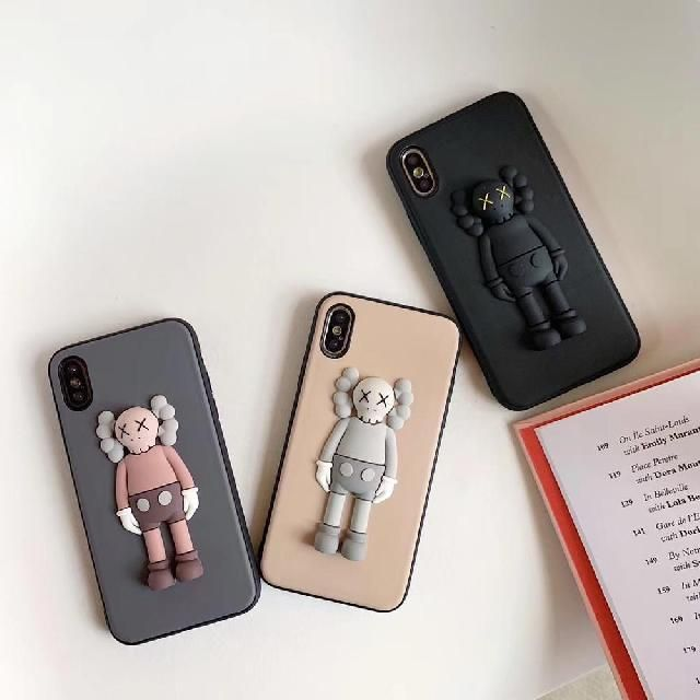 Pin By Ye 666 On Style In 2020 Iphone Cases Iphone Kaws Toys