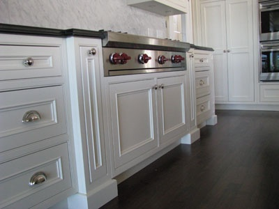 custom white traditional kitchens by wesley ellen design millwork vancouver - Custom Kitchen Cabinets Vancouver