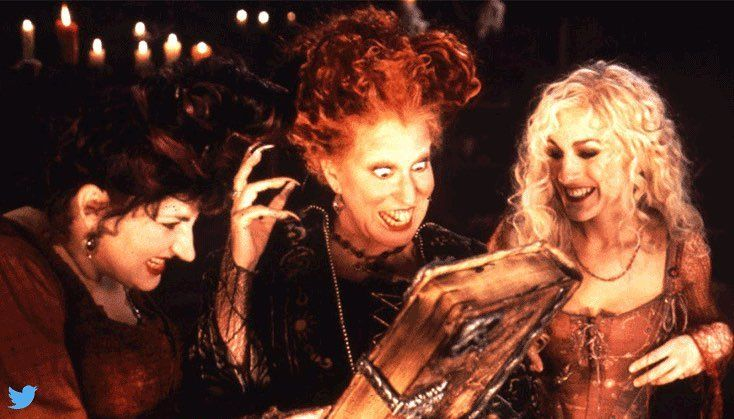 IS SARAH JESSICA PARKER RETURNING FOR HOCUS POCUS REMAKE?! More on celebsgo.com #hocuspocus #halloween #sarahjessicaparker #celebsgo #celebrity #famous #star #celebs #gossip #beef #clapback #news #fresh #drama #breakingnews #affair #TV #instafamous