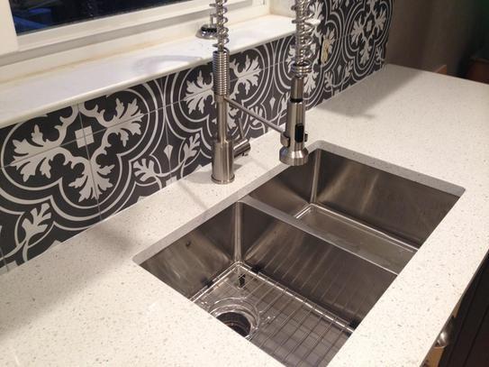 Merola Tile Twenties Classic Encaustic Ceramic Floor And Wall Tile 7 3 4 In X 7 3 4 In Tile