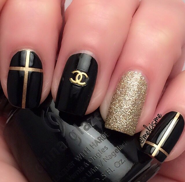 Stylish Black and gold Chanel nails by Melcisme #glam #nailart...x