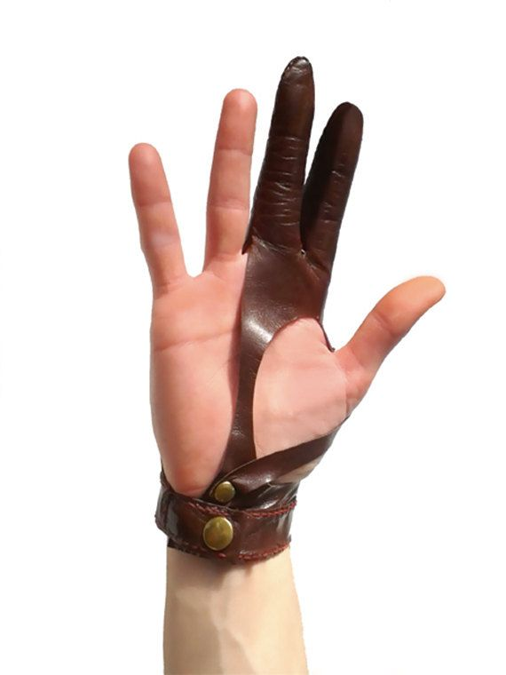 Leather archer glove. Guante arquería by SvartaLader on Etsy
