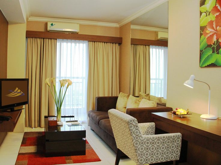 Tangerang Great Western Resort Serpong Hotel & Convention Center Indonesia, Asia The 4-star Great Western Resort Serpong Hotel & Convention Ce offers comfort and convenience whether you're on business or holiday in Tangerang. Featuring a complete list of amenities, guests will find their stay at the property a comfortable one. Free Wi-Fi in all rooms, 24-hour front desk, 24-hour room service, facilities for disabled guests, express check-in/check-out are there for guest's enjo...