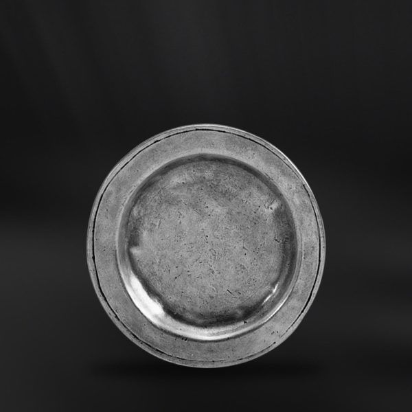 Pewter Wine Bottle Coaster - Diameter: 14 cm (5,5″) - Food Safe Product - #pewter #wine #bottle #coaster #peltro #sottobottiglia #zinn #flaschenuntersetzer #flaschen #untersetzer #étain #etain #dessous #sous #bouteille #peltre #tinn #олово #оловянный #tableware #dinnerware #table #drinkware #barware #accessories #decor #design #bottega #peltro #GT #italian #handmade #made #italy #artisans #craftsmanship #craftsman #primitive #vintage #antique