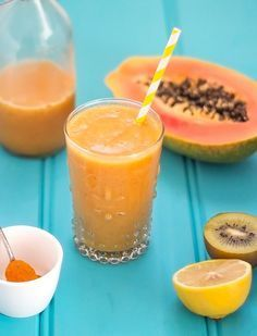 Anti-Hayfever Smoothie. This smoothie has vitamin A, vitamin C, anti-inflammatory and anti-histamine properties that help with hayfever relief. It really works! Click for more info.