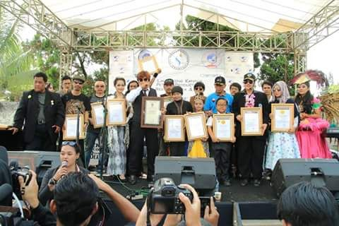 Pertunjukan Seniman Kota  Bandung Pecahkan Rekor ORI dan RHR