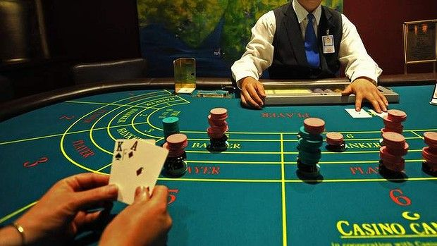 Baccarat is considered the top choice for high rollers. The reason is very simple, in Baccarat you either win big, or you lose big.