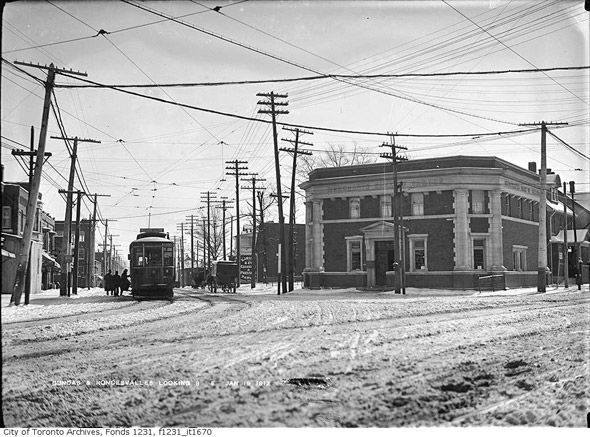 What Roncesvalles and Dundas used to look like in 1910
