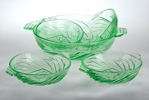 Antiques Atlas - Art Deco Stolle Niemen Uranium Glass Bowls