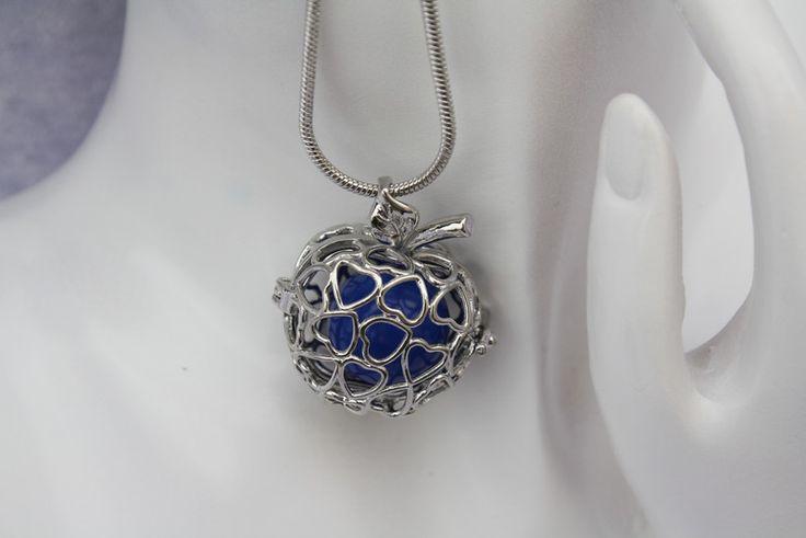 Ketten kurz - Kette Anhänger Engelsrufer Klangkugel silber blau  - ein Designerstück von trixies-zauberhafte-Welten bei DaWanda