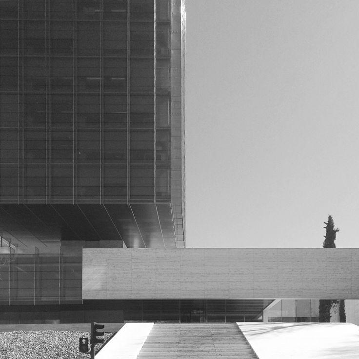 Ingravidez /// [Torre Castelar] ///  /\rq: Rafael de la Hoz & Gerardo Olivares