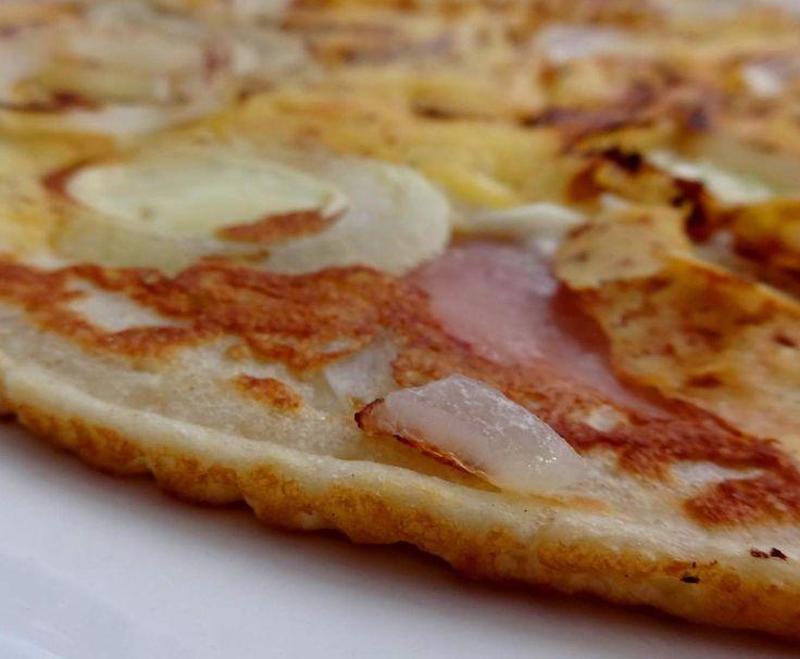 Easy-Flammkuchen extra knusprig mit leckeren Belägen