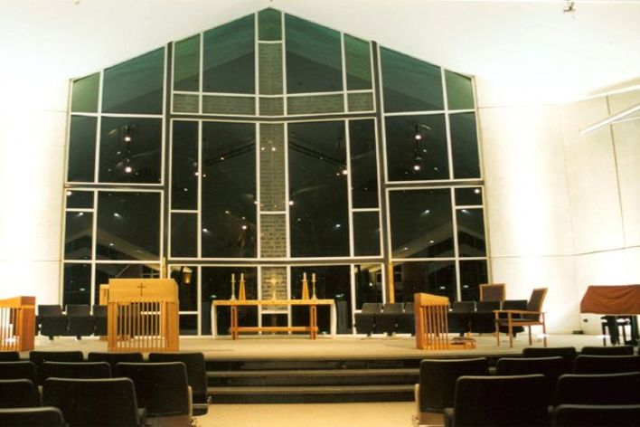 http://cbmarchitects.co.nz/projects/arts-and-culture/st.-pauls-collegiate-chapel-of-christ-the-king-hamilton/