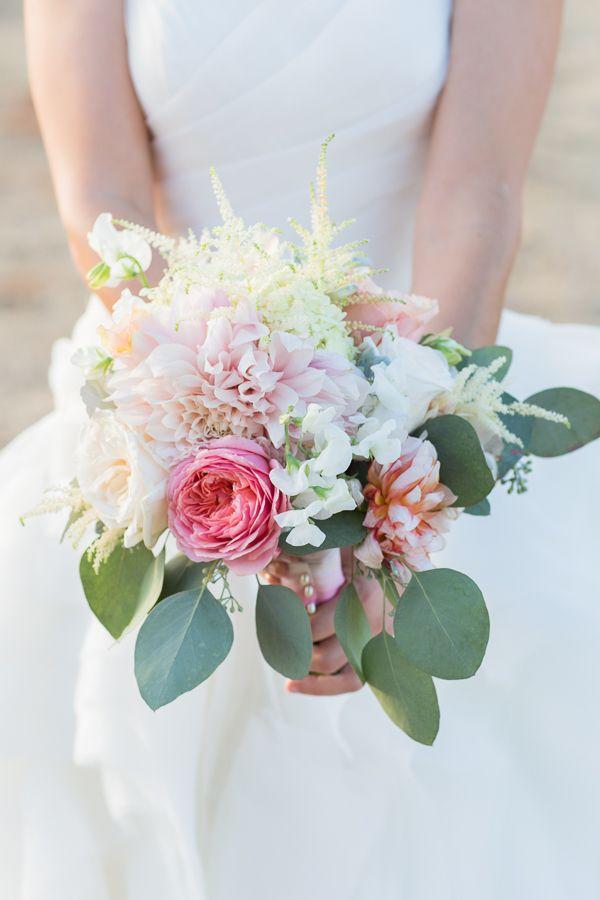 pastel wedding bouquet for bride #bouquet #wedding #weddingchicks http://www.weddingchicks.com/2014/01/29/shabby-chic-barn-wedding/