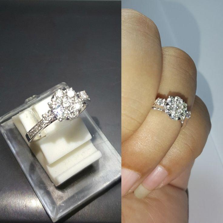 Cincin emas  berlian Mode Lotus. (Hrg cuci gudang).   Toko Perhiasan Emas Berlian-MJ,Jakarta +628118455779/DC9E309C Cp.Tri. #emas #berlian #investasi #fashion