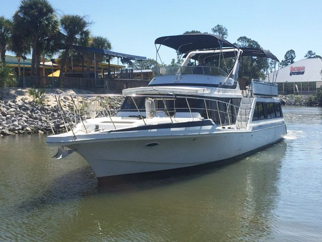 Click to see this Bluewater Cruiser 1989 Houseboat yacht. This 55 foot yacht is for sale for $89,000. Call United Yacht broker Roger Butterfield at 251-753-2381
