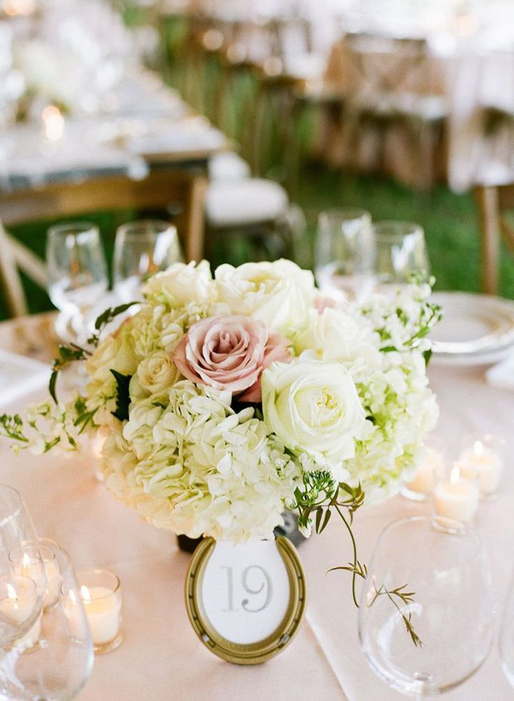 Horseshoe table number ~ we ❤ this! moncheribridals.com