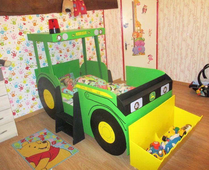 Lit en forme de tracteur 13 lit tracteur chambre enfant for Lit tracteur