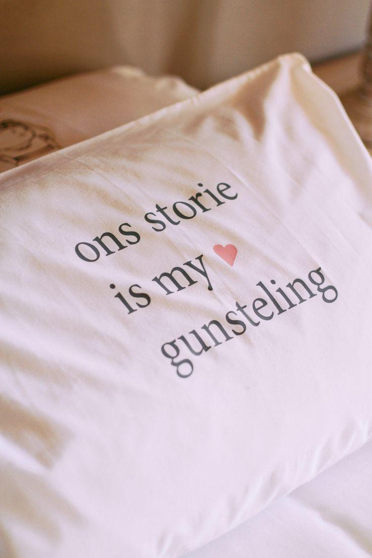 """Singe Pillowcase """"Ons storie is my gunsteling"""""""