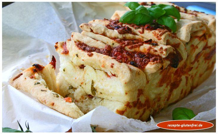 Glutenfreies Zupfbrot Tomate-Mozzarella! Mit Mehl Mix B von Schär gelingt diese herrliche Brotspezialität einfach und lecker! www.rezepte-glutenfrei.de