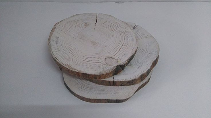 Rodajas loncha redonda de madera natural pintadas a mano tono blanco 2cm grosor el diametro puede variar entre 26-30 ideal para centro de mesa,bodas,platos de presentacion,panelado de paredes
