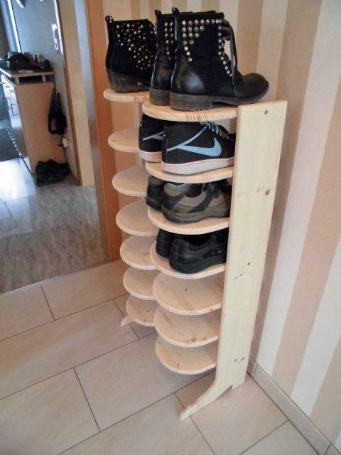 Ein Stiefel als Schuhständer für 14 paar Schuhe Bauanleitung...