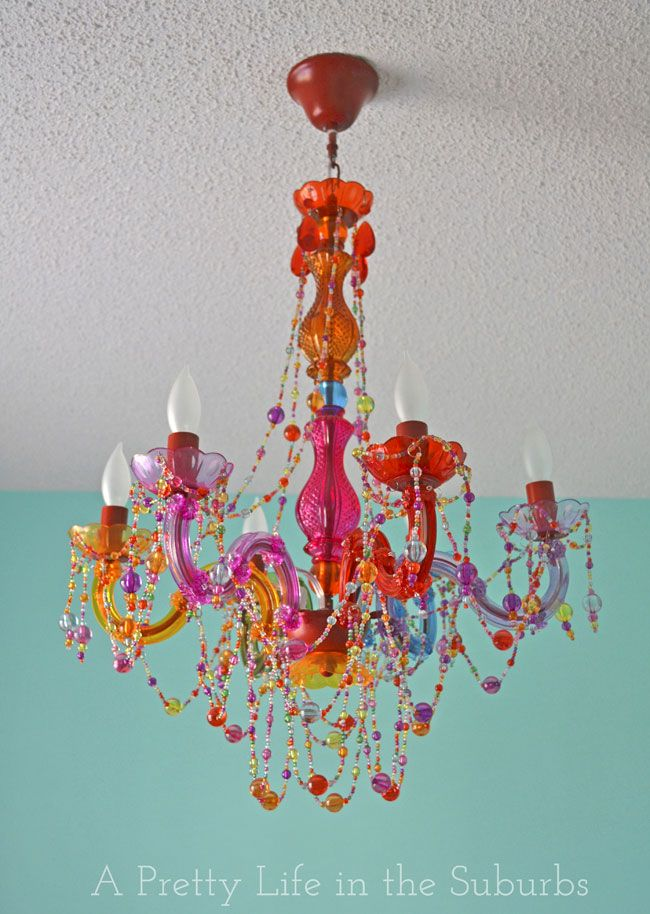 Chandelier {A Pretty Life}/ omg!!! I am in LOVE  :)  love all the colors///where csn I put this??  Craft room?? :-)