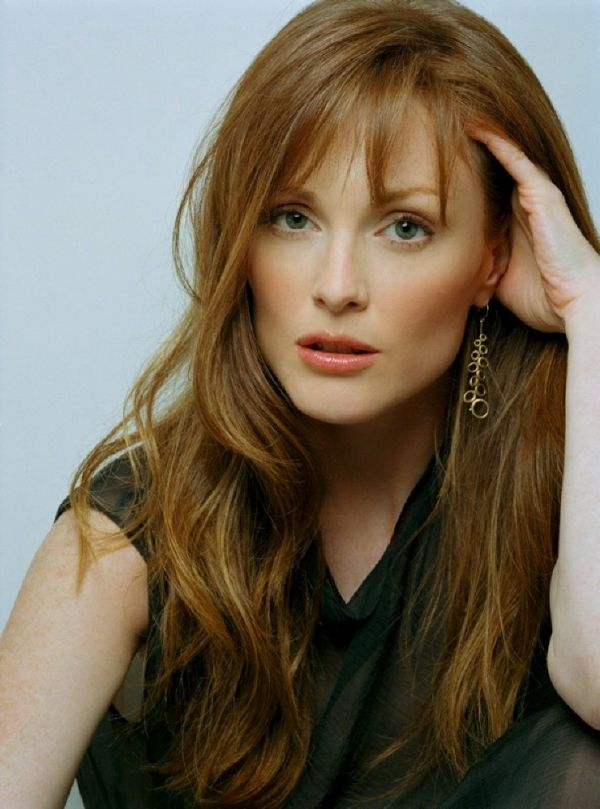 Julianne Moore; something about her, I loved since a kid. I know she is genuine! ZO