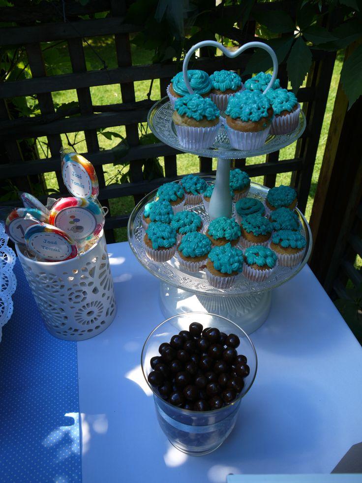 Paletas personalizadas, mini cupcakes y bolitas de chocolate!