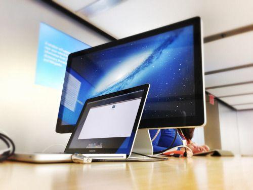 #Apple #LEDbacklitLCD #Laptop #ComputerMonitor LCD television, Apple Cinema Display, Personal computer, Genius Bar - Follow @thegeniusboss for more pics like this!