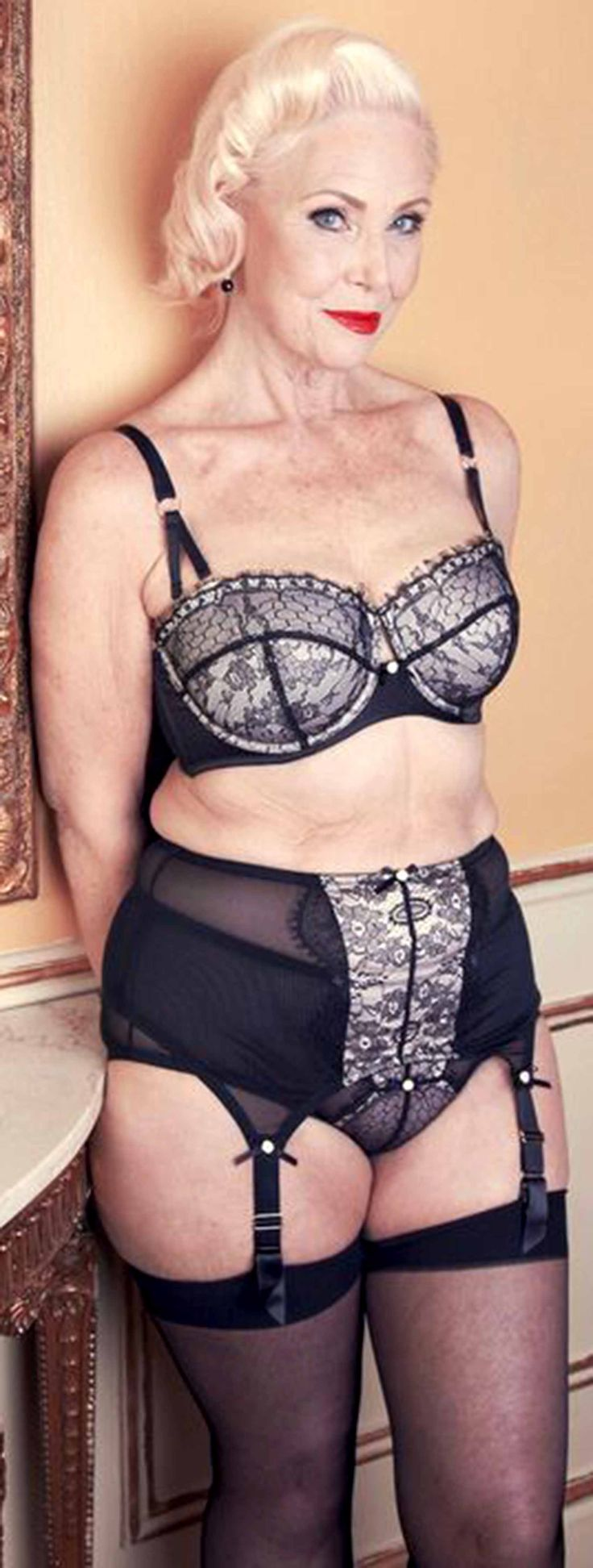 Older Women In Lingerie Pics