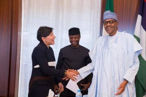 Photos: Buhari receives US Secretary of Commerce Penny Pritzker at the state house - http://www.thelivefeeds.com/photos-buhari-receives-us-secretary-of-commerce-penny-pritzker-at-the-state-house/